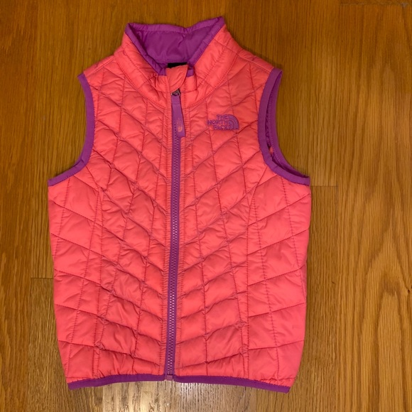 fdda9d3a8 North Face Thermoball Vest girls pink